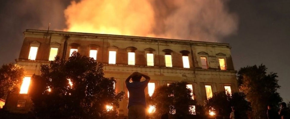 The world is in mourning: 200 years of history burned in the National Museum of Brazil