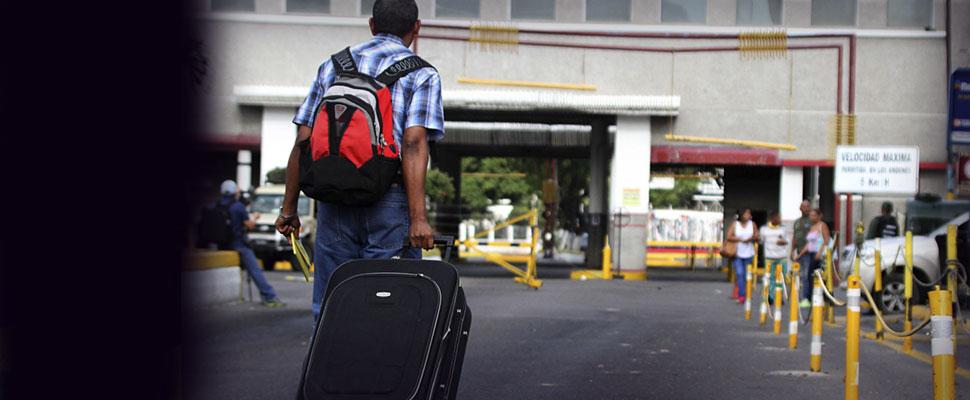 Así es la doble tragedia que viven los colombianos expulsados de Venezuela