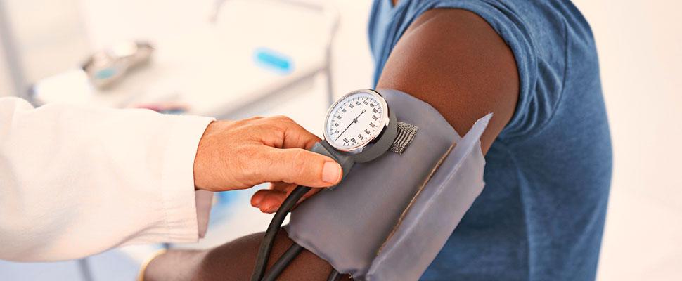 ¿Tienes la presión arterial alta? Sigue estos 5 consejos