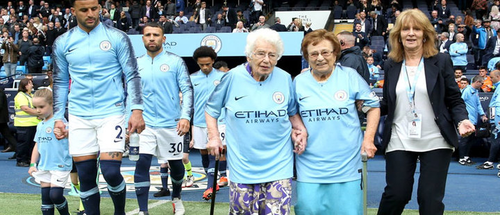 Age doesn't matter! The oldest soccer fans