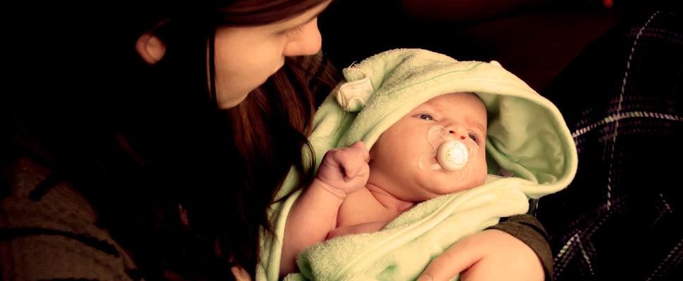 ¿Sabes cómo acabar con el hipo de tu bebé?