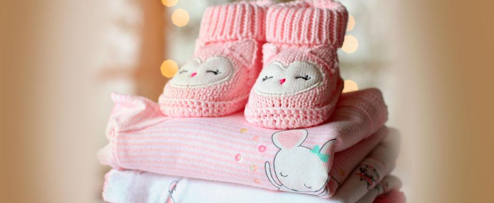 Cómo empacar para tu bebé en vacaciones sin perder el glamour