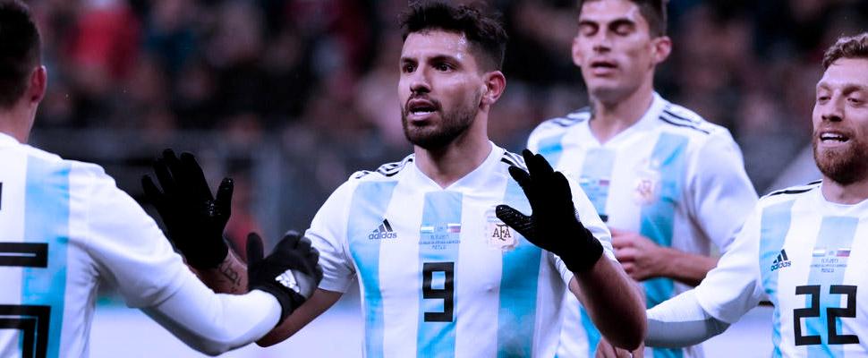 Una Argentina abrumada por la decadencia de su fútbol