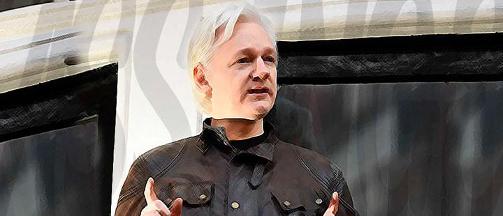 Assange: sea héroe o villano, se le debe proteger