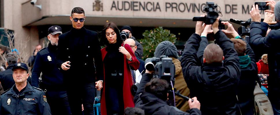 El exjugador del Real Madrid Cristiano Ronaldo, a la salida de la Audiencia Provincial de Madrid.