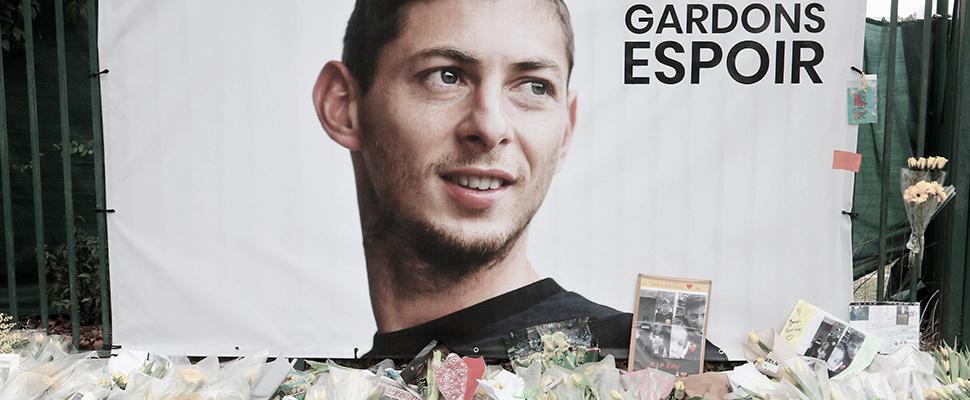 Homenaje al futbolista argentino Emiliano Sala del FC Nantes en La Joneliere, Nantes, Francia