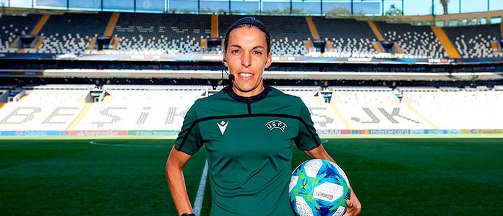 La primera mujer en arbitrar la Supercopa no tiene miedo a la atención mediática