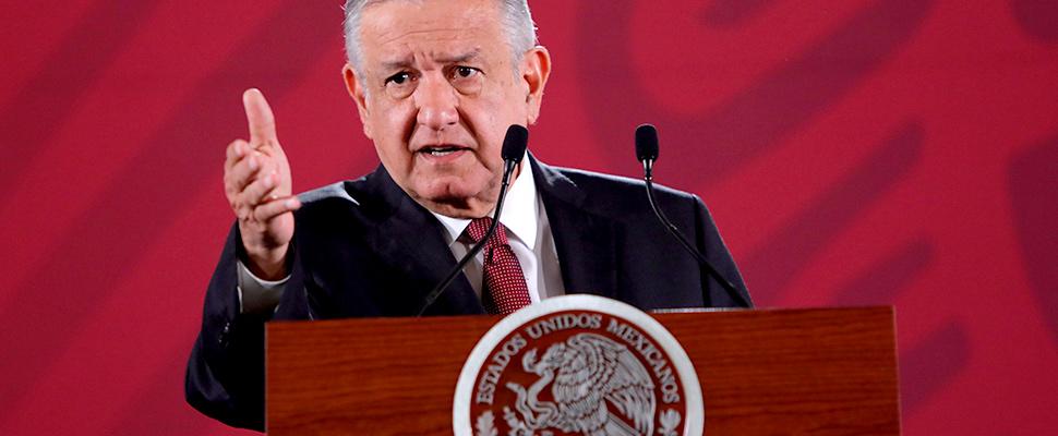 El presidente de México, Andrés Manuel López Obrador, habla durante su rueda de prensa matutina, en Palacio Nacional