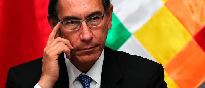 """""""No tenga miedo de gobernar"""": jefe de Congreso peruano enfrenta a Vizcarra por adelanto electoral"""