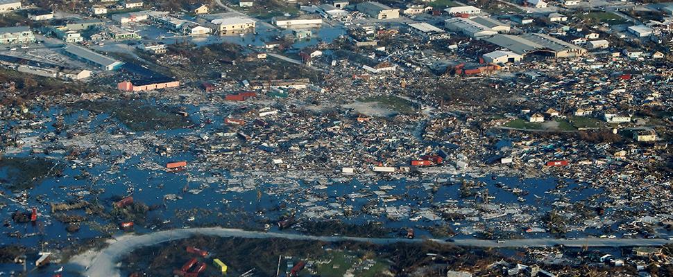 Una vista aérea muestra la devastación después del huracán Dorian que azotó las Islas Abaco en las Bahamas