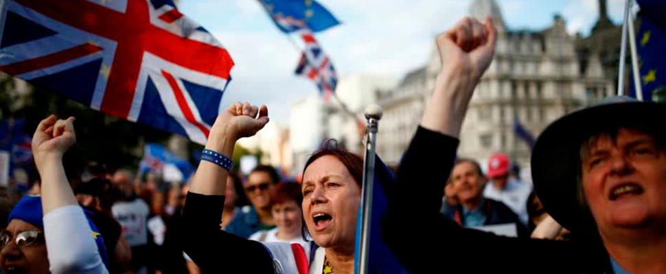 Manifestantes durante una marcha por el Brexit