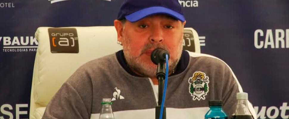 Diego Maradona, durante una conferencia de prensa tras el partido de Gimnasia.