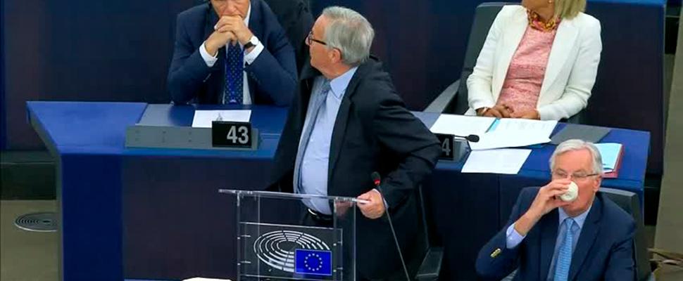 Jean-Claude Juncker en un debate en el Parlamento Europeo sobre el proceso de salida de Gran Bretaña.