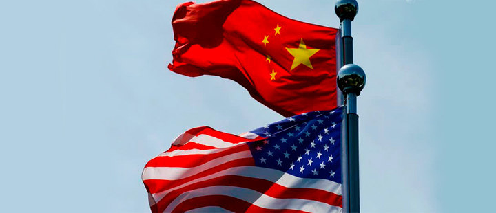 USA and China flags.