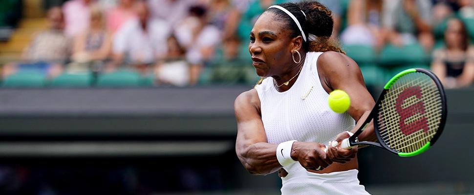 La estrella del tenis Serena Williams en acción