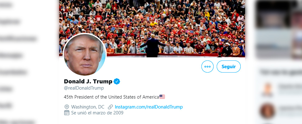 View of the profile of Donald Trump on twitter