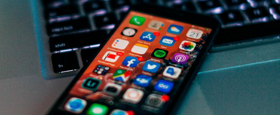 Los adolescentes deben 'ser inteligentes' sobre las redes sociales