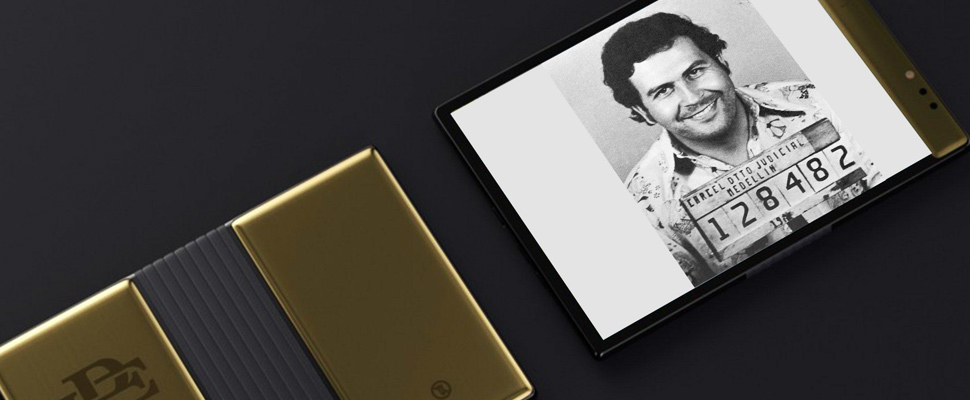 Celular plegable en honor a Pablo Escobar.