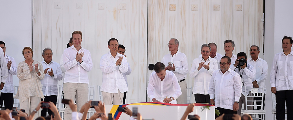 Signing of the peace agreement between the Government of Colombia and the FARC.