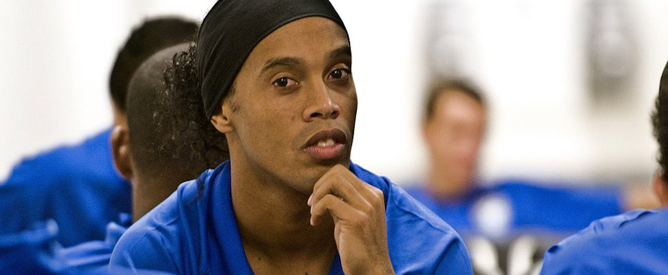 Ronaldinho es detenido en Paraguay con su hermano Roberto