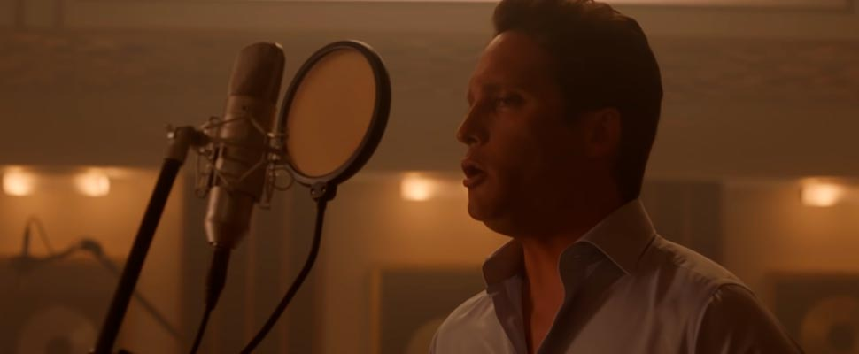 Frame of the trailer for the series 'Luis Miguel, the series: Season 2'.