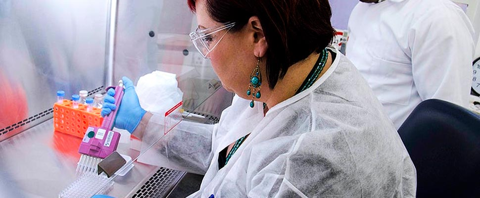 Las mujeres están poco representadas en la investigación de COVID-19
