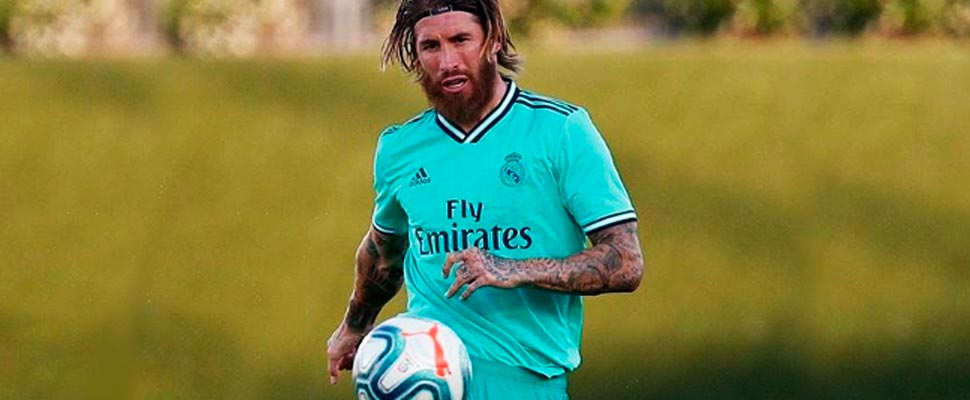 Sergio Ramos wearing the Real Madrid shirt.