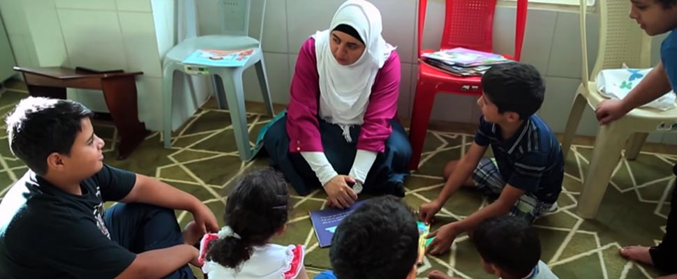 Rana Dajani reading stories to children