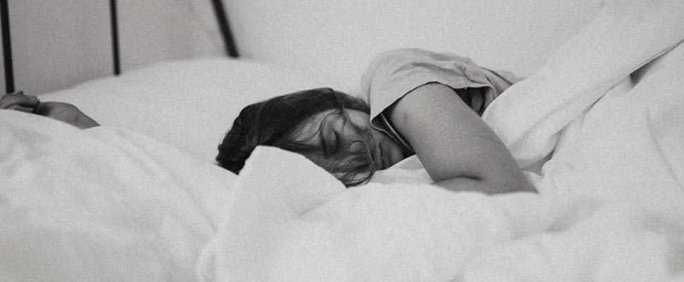 Mujer, mentira en cama