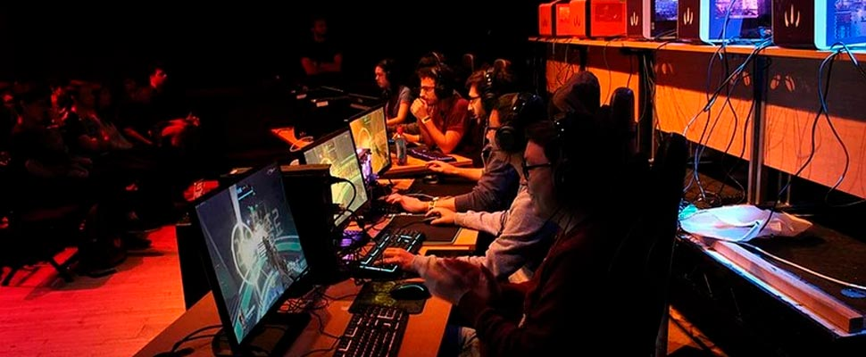 Players in the middle of an e-sports competition