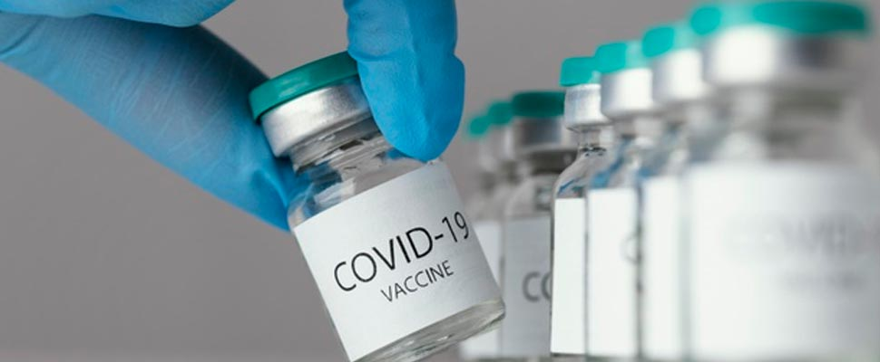 Envases de vacunas del COVID-19