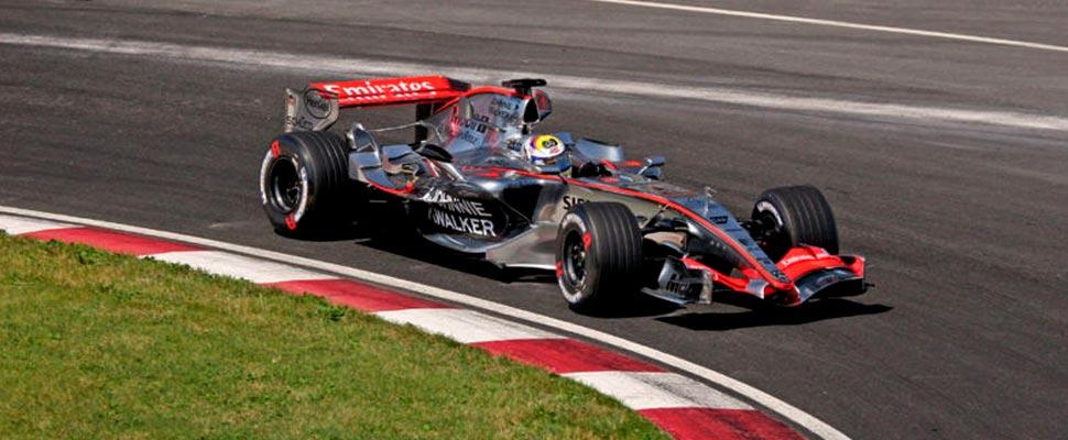 Juan Pablo Montoya manejanto para McLaren en el 2006