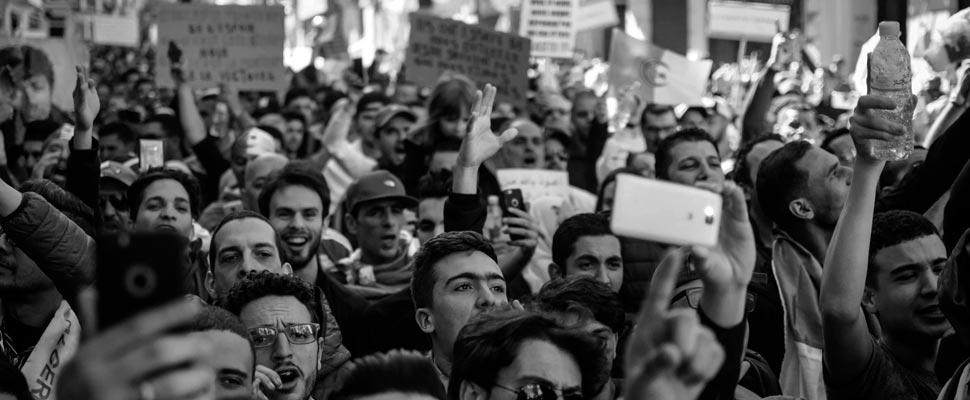 Grupo de personas durante una protesta