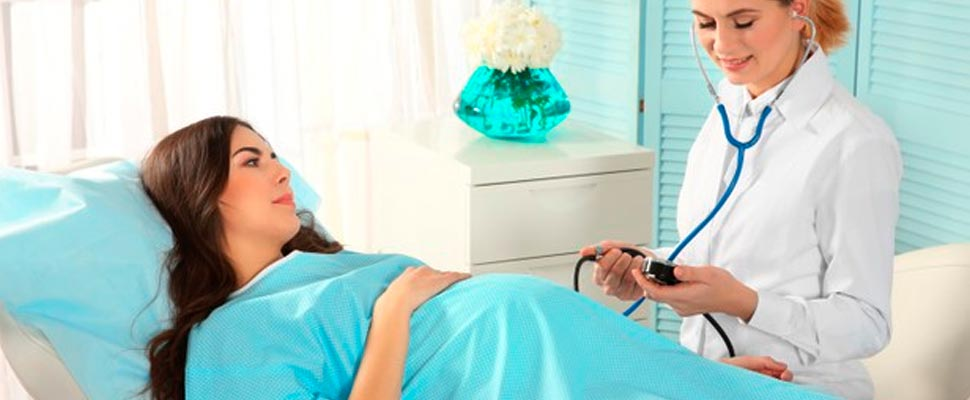 Las mujeres embarazadas hospitalizadas por COVID-19 no enfrentan un mayor riesgo de muerte