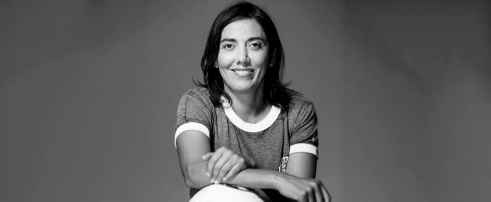 Paula Navarro, la entrenadora que derriba murallas en el fútbol chileno
