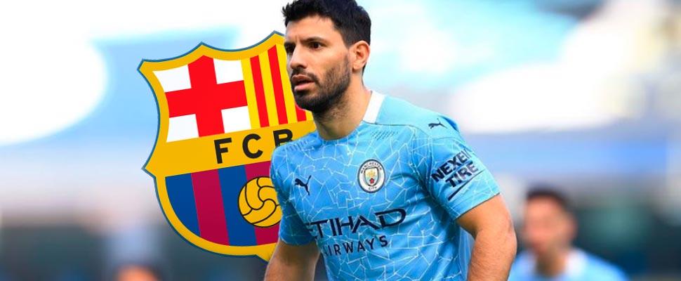Sergio 'Kun' Agüero con el escudo del Barcelona