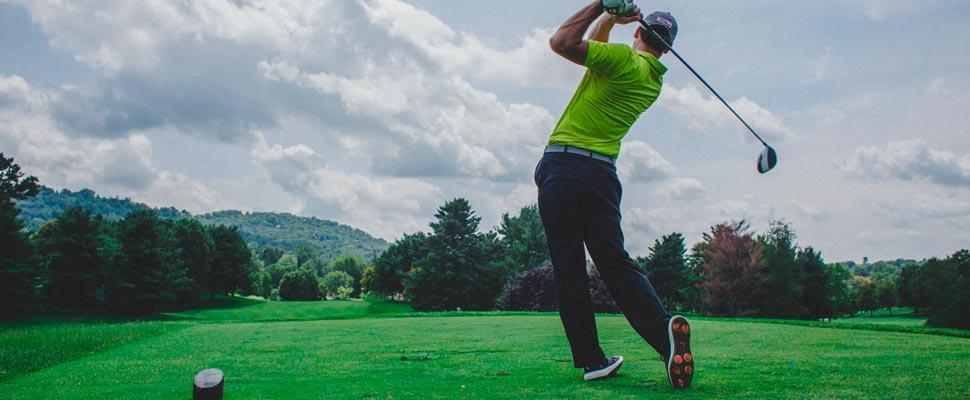 Conductor de golf swing de hombre
