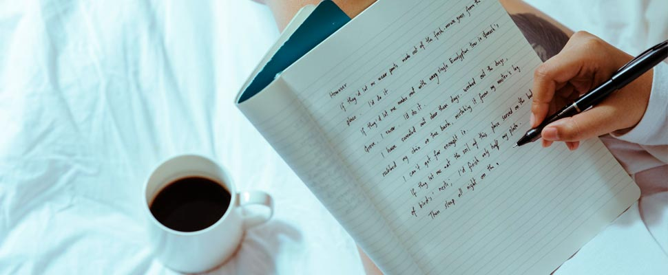 Which Benefits Bring Taking Notes by Hand?
