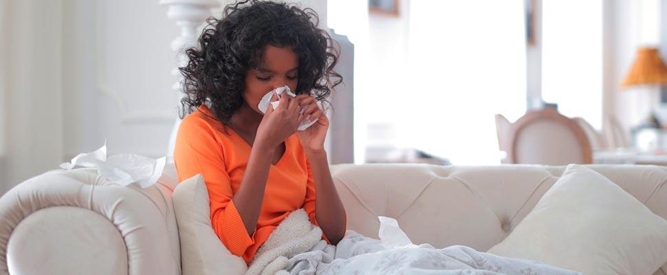 ¿Se pueden vacunar contra la COVID-19 las personas alérgicas?