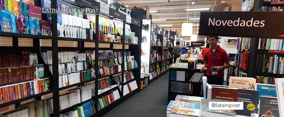 Corridor of the Bogota Book Fair, 2015