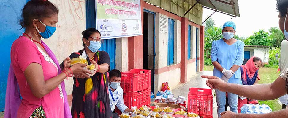 Vulnerable Women in Nepal Lead Valuable Support in Soup Kitchens