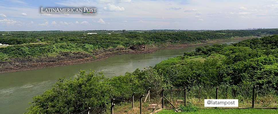 Photo of the Paraná river