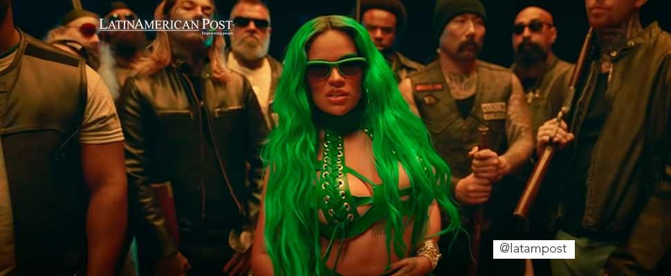 Still from the video clip 'Sejodiotó' by Karol G