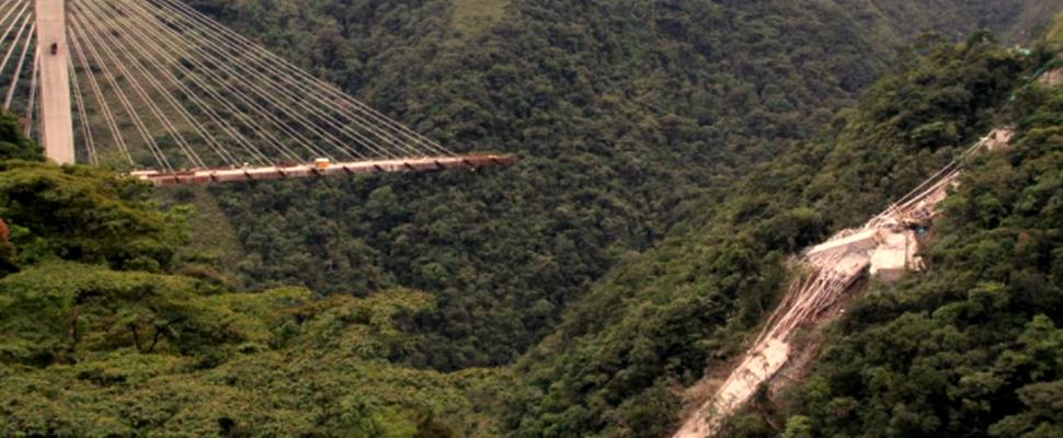 Colombia: Desplome de puente vía Bogotá-Villavicencio