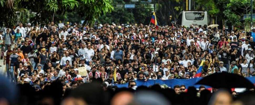 Chavismo: Cómo se mantiene en el poder un movimiento que se quedó sin pueblo