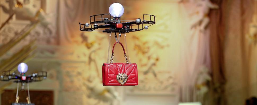 ¿Modelos o drones? Conozca la innovadora propuesta