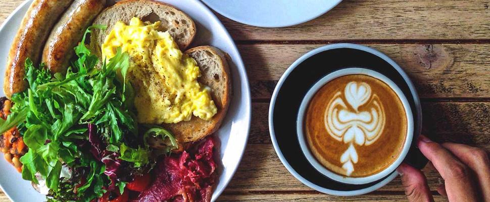 4 alimentos saludables que debes comer en el desayuno