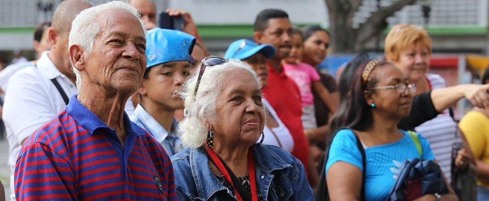 Adultos mayores, huérfanos en Venezuela