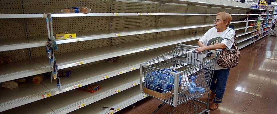 Los venezolanos sobreviven al desabastecimiento y la inflación