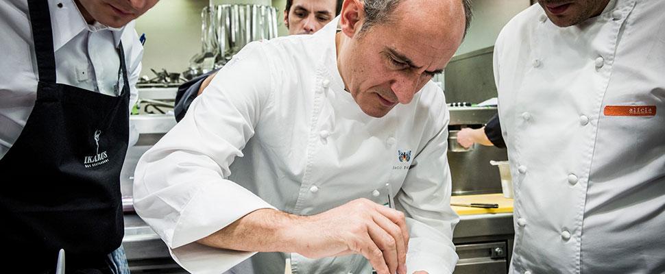 Paco Pérez – España: Propietario del restaurante Miramar en España galardonado con dos Estrellas Michelin, dos más en el restaurante Enoteca en Barcelona y otra en el restaurante Cinco del Hotel Das Stue de Berlín.